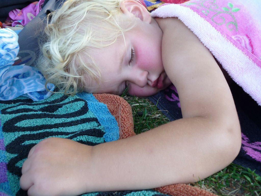 sleeping 340277 1280 1024x768 - Melatonina para dormir a los hijos