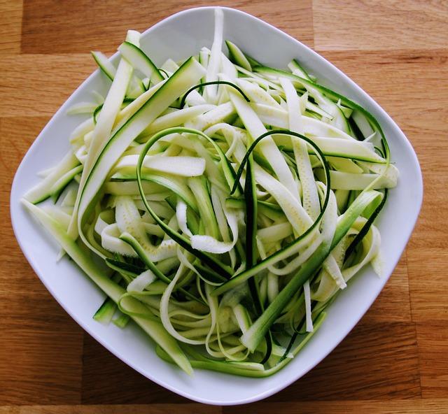 zucchini 2054823 640 - Hamburguesas de calabacín y zanahoria