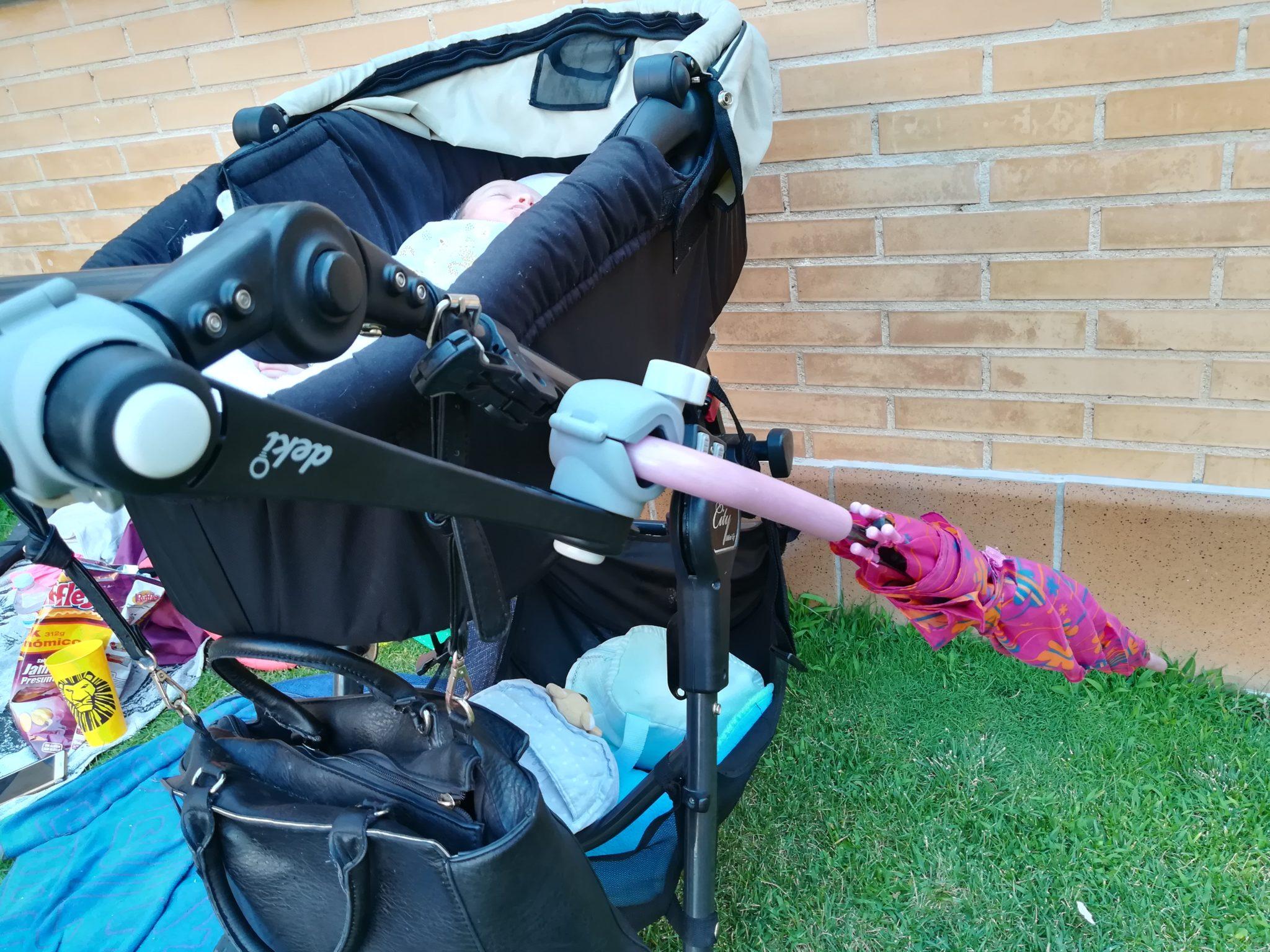 IMG 20180709 201211 - Pinza sujetaparaguas o sombrilla para el carro con Deki Dry&Go