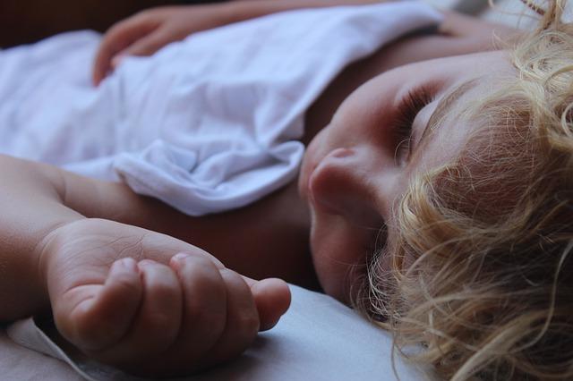 child 3089972 640 - Jornada continua en el cole. Nuestra experiencia.
