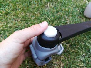 IMG 20180709 194432 300x225 - Pinza sujetaparaguas o sombrilla para el carro con Deki Dry&Go
