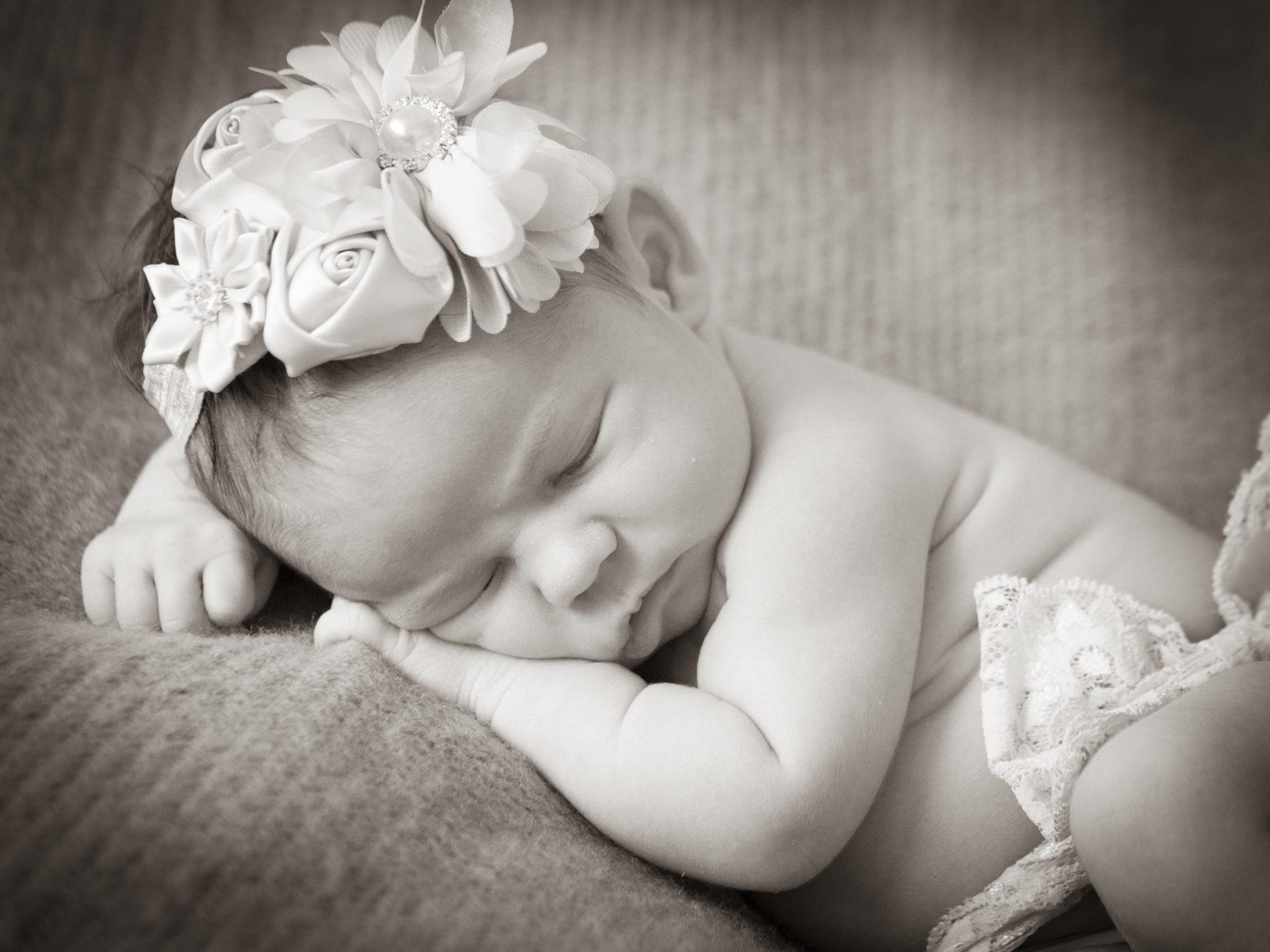 nur0027 - Sesión de fotos de recién nacido en casa