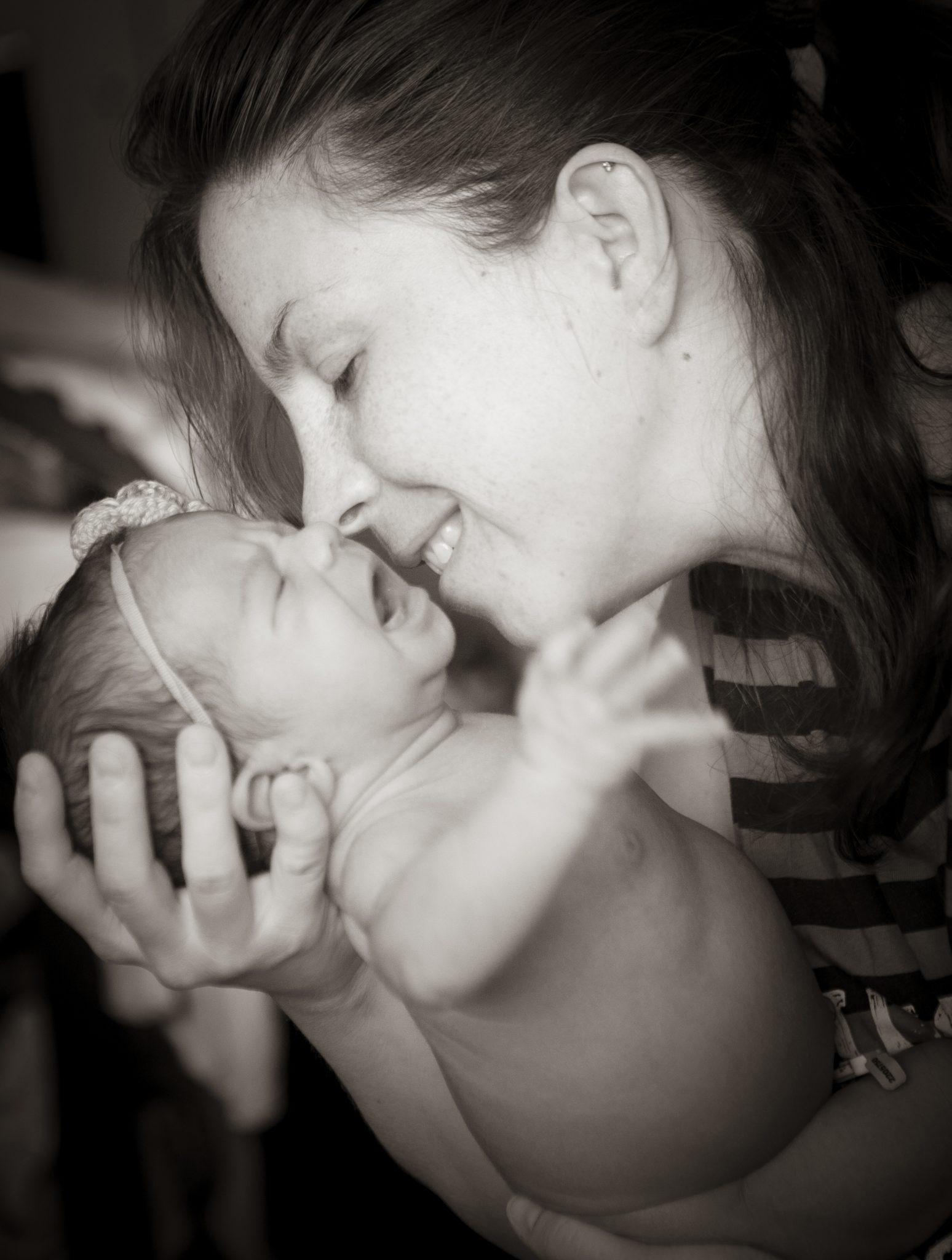 nur0066 - Sesión de fotos de recién nacido en casa