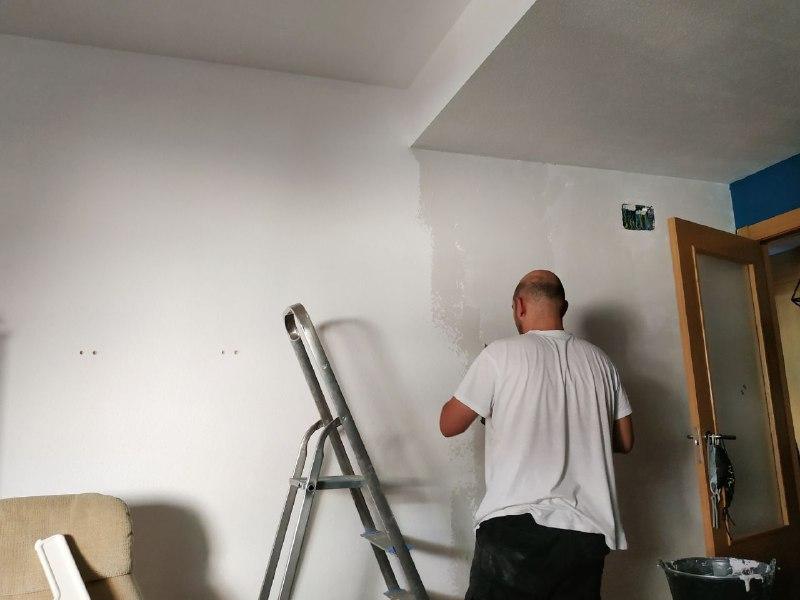photo5827763776332608733 - Da vida a una habitación con papel pintado