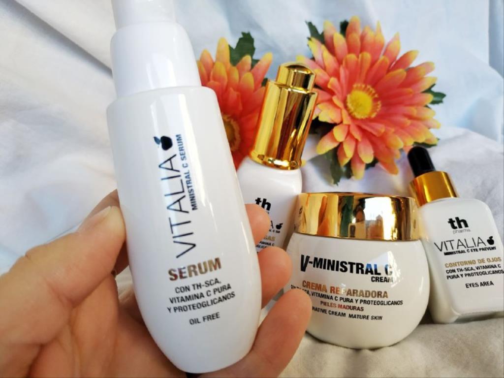 photo5859711138944627594 1024x768 1 - Cuidado facial para pieles maduras con Th Pharma