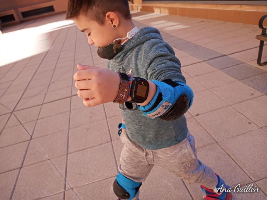 photo5899816551417230817 1024x768 1 - SmartWatch para niños SaveKids con teléfono y GPS integrado