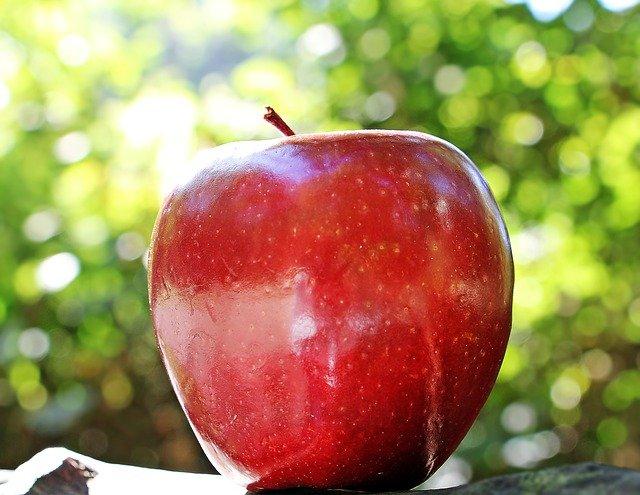 apple 1702316 640 - Cómo eliminar grasa en muslos y glúteos