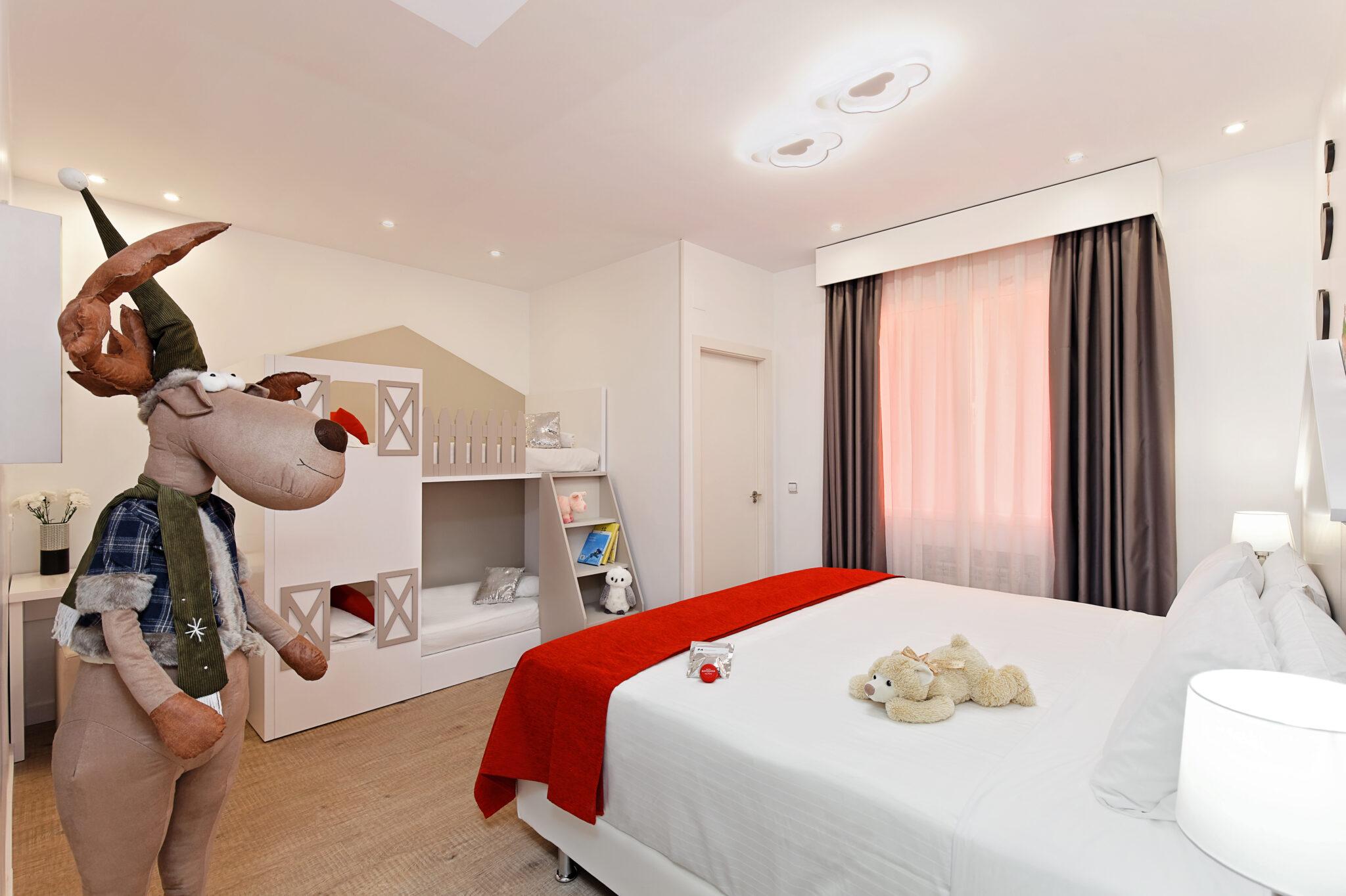 Hab 20 La de Cortylandia scaled - Dormir en Madrid con niños