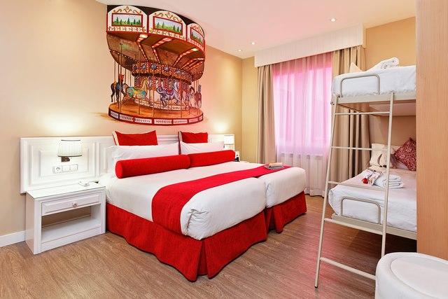 Hab 520 La del Tio Vivo con barrera Copiar - Dormir en Madrid con niños